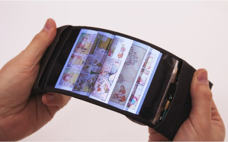 foldable display smartphone